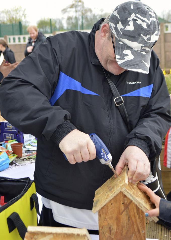 Salford Dadz look for DIY dads to help local children